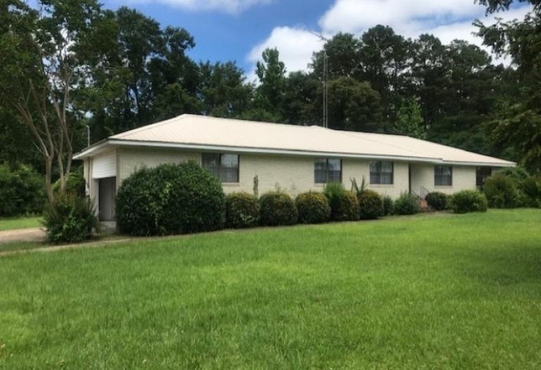 1112 Pardue Avenue York, Alabama 36925