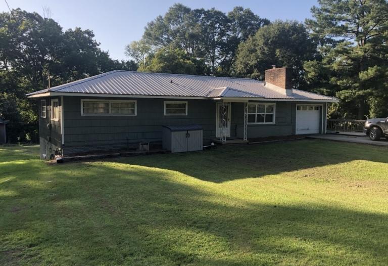 112 Smith Avenue Livingston, Alabama 35470