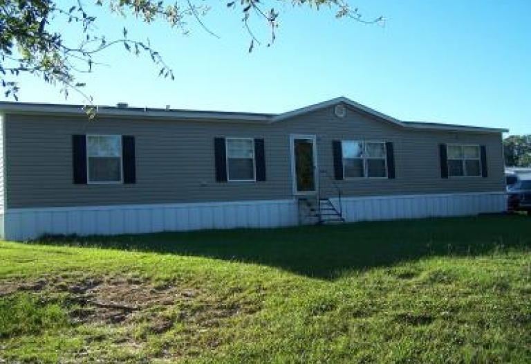201 Yellow Creek Mobile Home Park Livingston, Alabama 35470