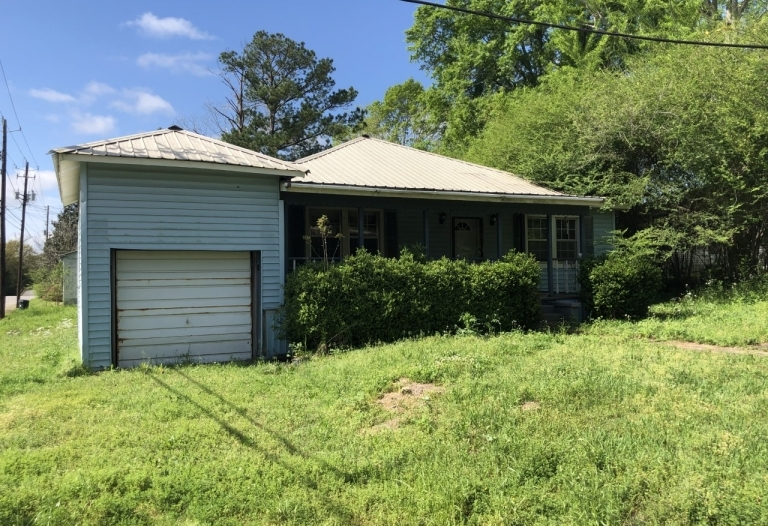 506 Monroe Street Livingston, Alabama 35470